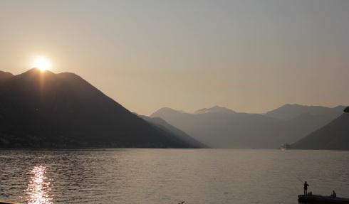 Por do Sol na Baia de Kotor